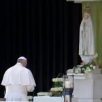 francesco-a-fatima-preghiera-5