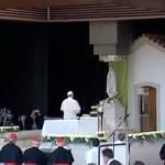 francesco-a-fatima-preghiera-8