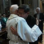 2-card-tagle-e-don-giulio-abbraccio
